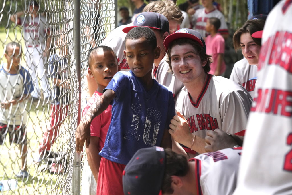 Baseball, Dominican Republic, Community Service